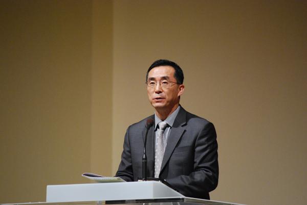 사회를 본 최봉수 목사